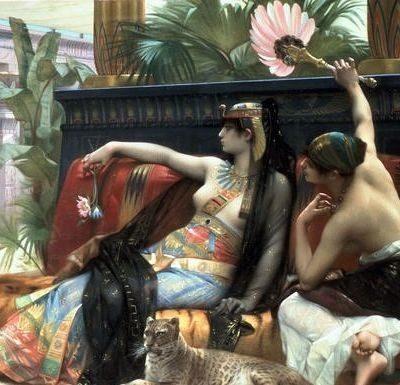 La reine Cleopatre se faisant souffler par une servante