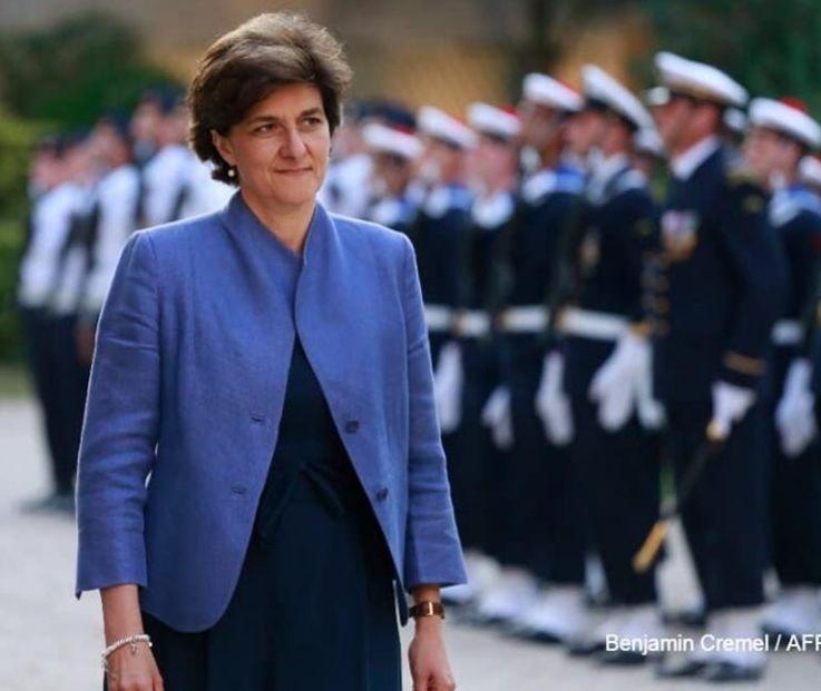 Sylvie Goulard passant en revue des troupes, alors ministre de la défense dans le pemier gouvernement d'Edouard Philippe (2017)
