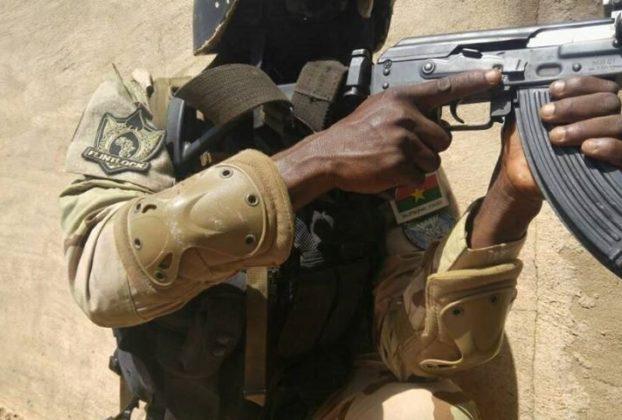 Un gendarme de l'USIGN, unité d'élite de l'armée burkinabè, lors d'un exercice en avril 2018