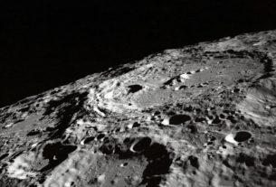 A la surface de la Lune (Photo : Unsplash).